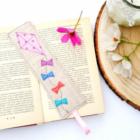 könyvjelző natúr pamutvászonból papírsárkány applikált mintával