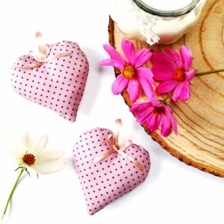 rózsaszín, pöttyös pamutvászon szívecske